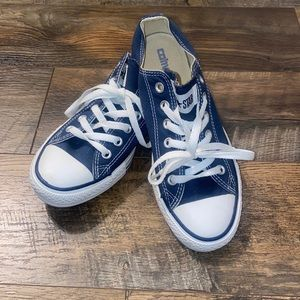 CHUCK TAYLOR ALL STAR Unisex SNEAKER size 6